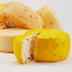Hišni kravji sir z bučnimi semeni