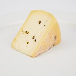 Hišni kozji sir s poprom