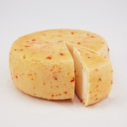 Hišni kravji sir s čilijem