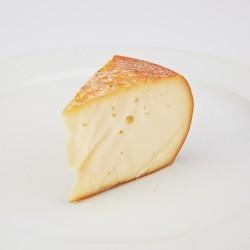 Hišni dimljen kravji sir